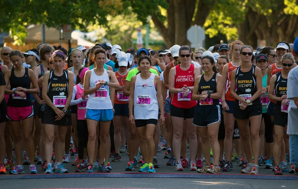 Ramona Sanchez (bib 320) and others line up for the start of the 2013 SBA 5K (Photo by Steve Barbour)